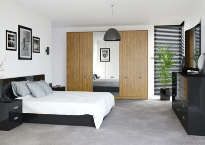 CROWN Furore Black_OliveLight Fitted Bedroom