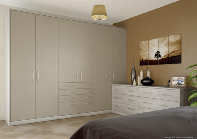 CROWN Locano Dakar_UrbanOak Fitted Bedroom