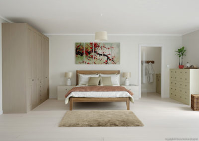CROWN Midsomer BrownStone_PureCream Fitted Bedroom
