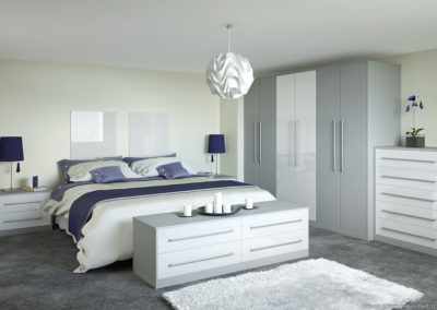CROWN Rialto MetallicWhite_Zeluso GreyLight Fitted Bedroom