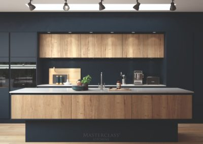 H-LINE_HAMPTON_MAIN_OXFORD_BLUE_MAYFIELD_OAK luxury designer handleless h line kitchen