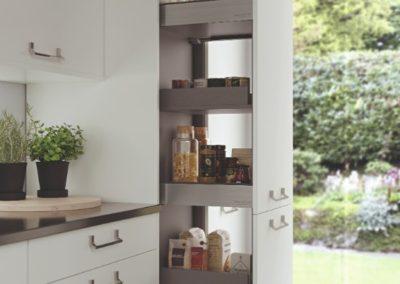 SUTTON_SCOTTS_GREY_MAYFIELD_OAK_CAMEO_LARDER_ADOBE98_RGB_8BIT_170616 copy luxury modern designer kitchen