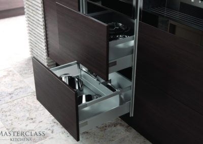 Sierra-TruffleAvola-Drawers-HLINE-CMYK luxury designer handleless h line kitchen